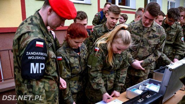 5-й день беспорядков в Польше: правительство выводит военных на улицы