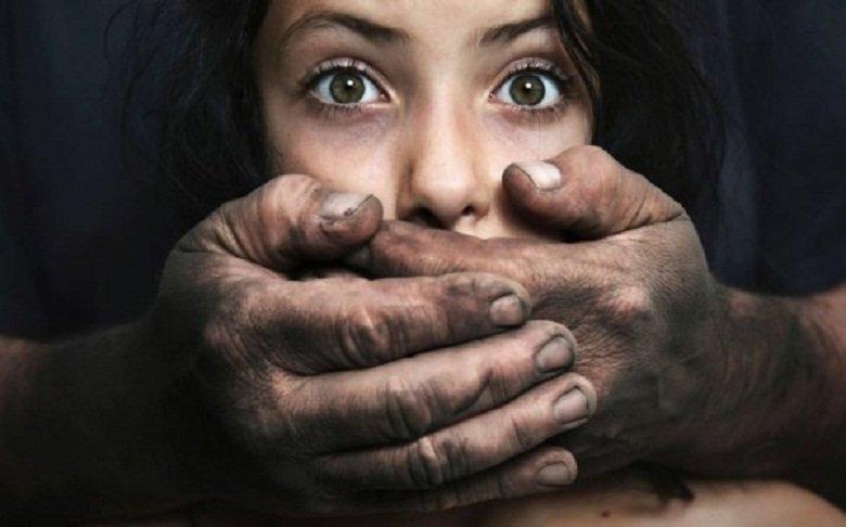 Как девушек и женщин из Молдовы обманывают  европейским будущем