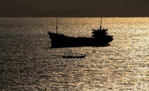 CNN (США): подлодка США столкнулась с неизвестным объектом в Южно-Китайском море