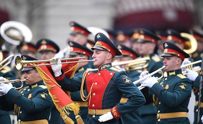 Британцы: Парад в Москве — это круто! Столько воодушевления! И без масок!