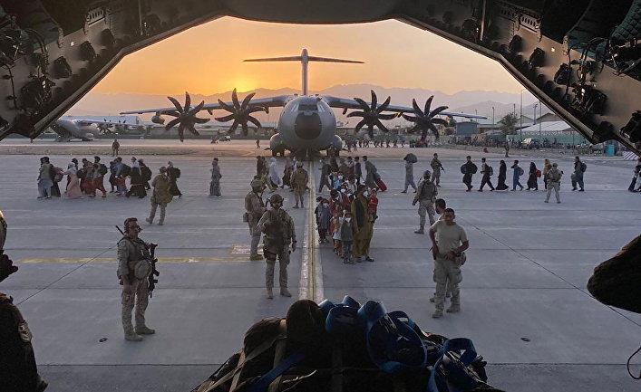 Эксперт разведки США: Афганистан потряс американскую систему союзов. В выигрыше остаются Китай и Россия