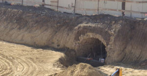 В Кишиневе обнаружен вымощенный известняком старинный подземный ход