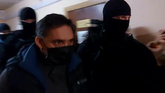 Генпрокурор Молдавии не дает показаний, обвинение требует продлить его арест