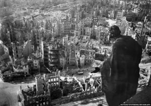 Дрезден-бомбардировки