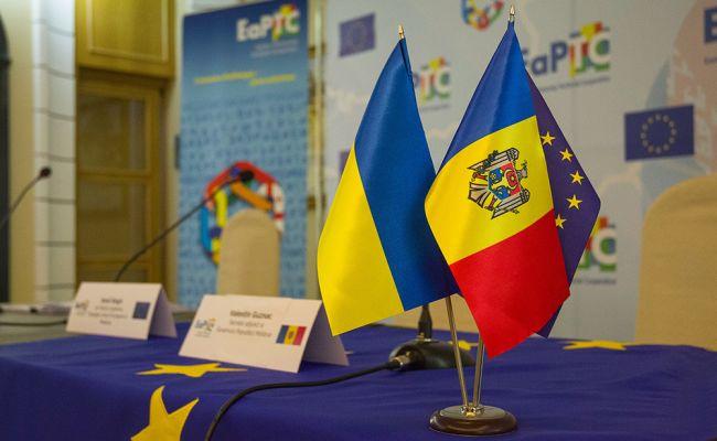 Киев требует от Кишинева осудить Россию за Крым, шантажируя Приднестровьем