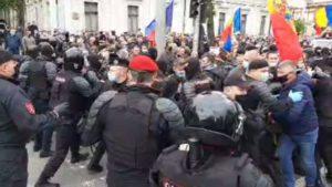В Кишиневе произошли столкновения полиции и манифестантов-участников боевых действий в Приднестровье
