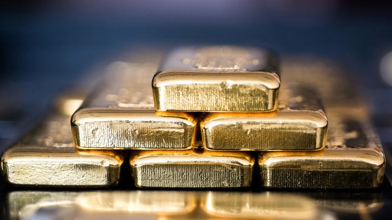 """""""Мир возвращается к золотому стандарту, поскольку доллар США вот – вот рухнет"""" - Питер Шифф"""