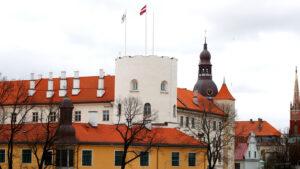 Права не для всех: как власти Латвии усиливают давление на русскоязычных журналистов и СМИ