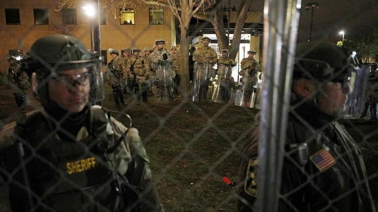 Hill: на фоне роста напряжённости в США американские власти готовятся к беспорядкам