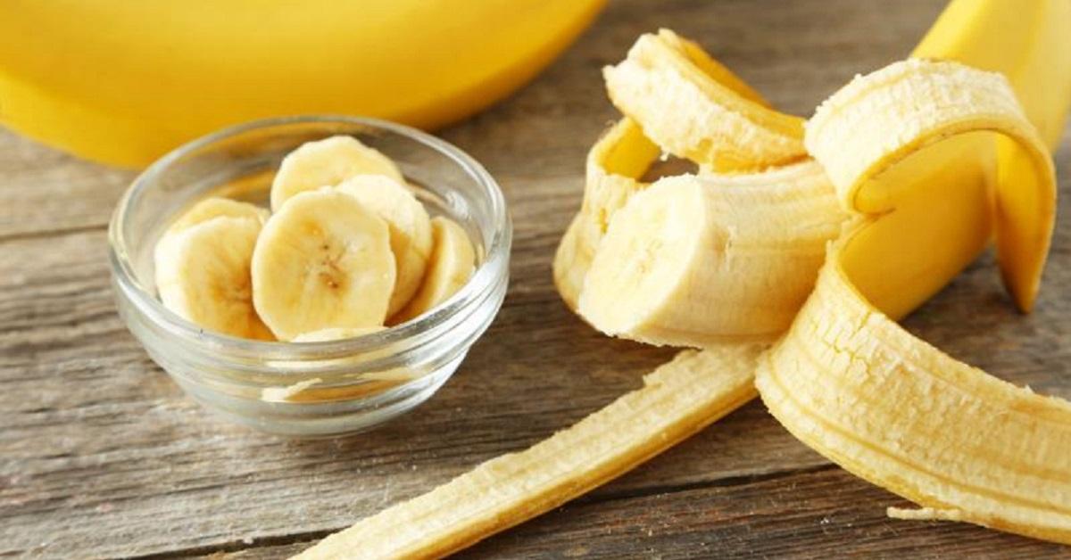 Бананы и аромат лаванды признаны альтернативой снотворному