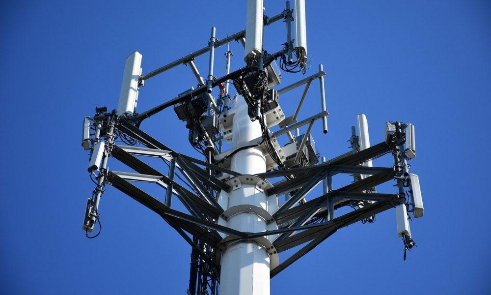 Исследования подтвердили, что антенны сотовой связи опасны для здоровья людей и растений
