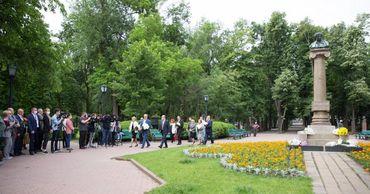 Высшие руководители Молдовы почтили память великого русского поэта Александра Пушкина