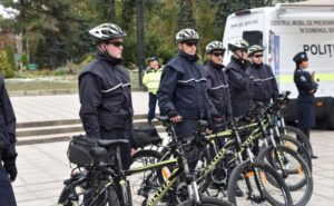 Сорос пересаживает молдавскую полицию на велосипеды