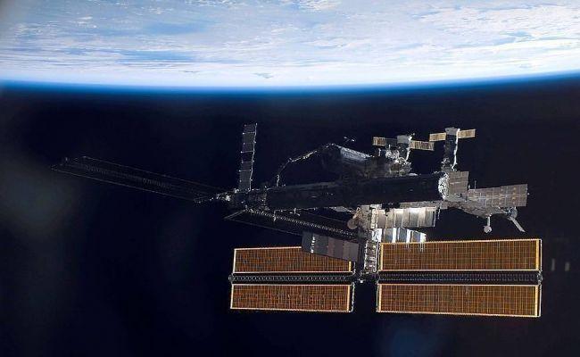 Космонавты поздравили жителей Земли с 60-летием полета Гагарина