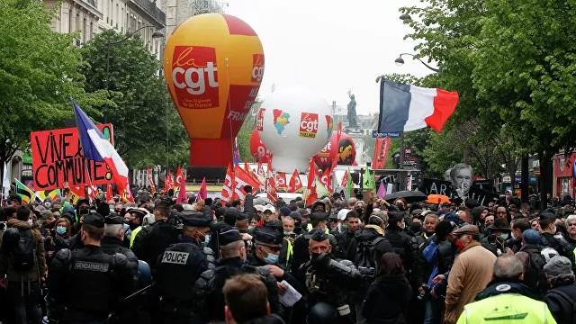 На первомайских демонстрациях во Франции задержали 56 человек