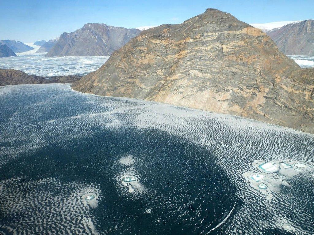 Гренландский ледяной щит растаял до точки невозврата