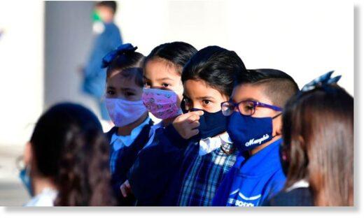 """Исследование обнаруживает высокий уровень углекислого газа у детей, которые носят маски для лица, и приходит к выводу: """"Детей не следует заставлять носить маски"""""""