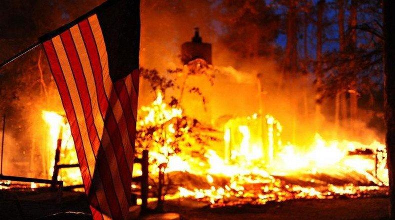 Коллапс ускоряется — вот почему Америка сейчас представляет из себя беспомощного гиганта