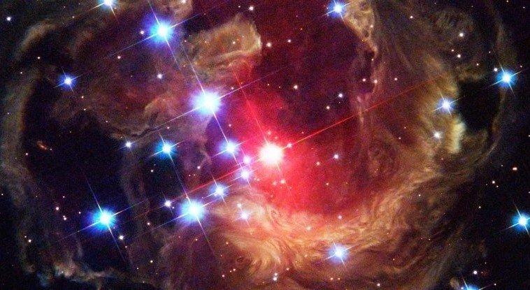 Жизнь внутри звёзд: ученые считают, что неизведанные формы космической жизни могут существовать внутри звезд