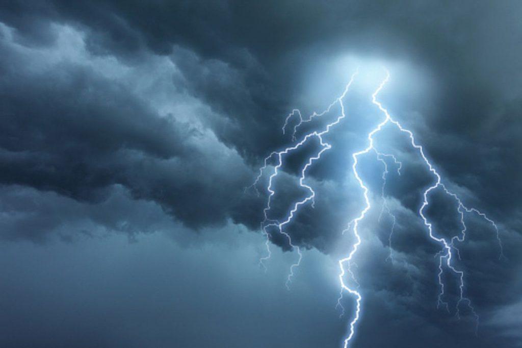 Апокалипсис молний: 2 погибших в Пенсильвании и один в Джорджии, 315 смертей в Индии, более 300 000 ударов за 24 часа над Австралией – небо сходит с ума