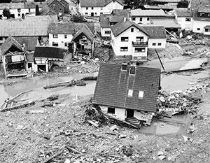 Режим военной катастрофы: Запад Германии выглядит как после авианалета