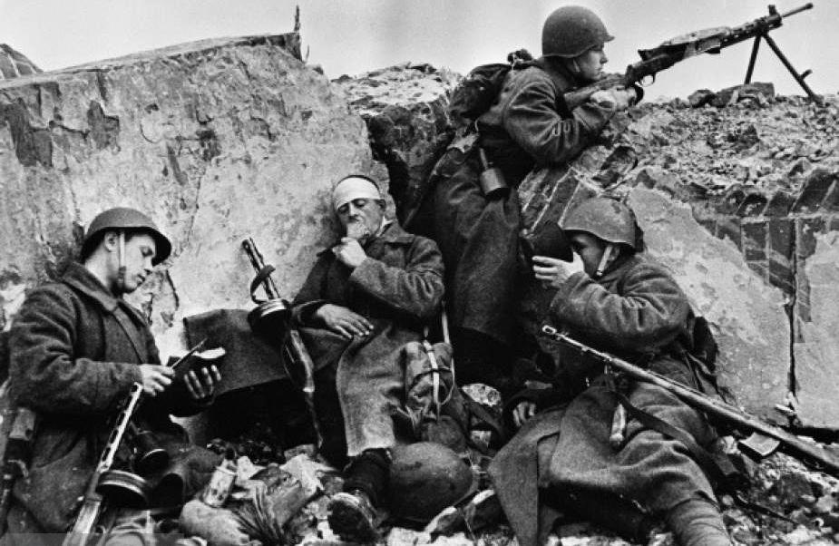 Американский журналист: Запад обязан признать решающую роль Советского Союза в победе над нацистской Германией
