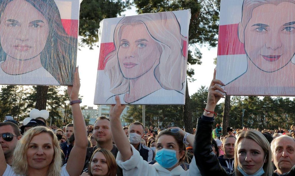 Лукашенко в тисках угрозы майдана