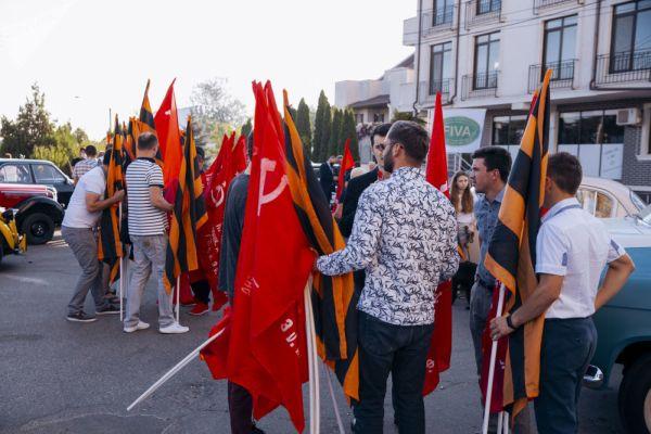 День освобождения Молдовы от фашистов встретили праздничными и протестными акциями