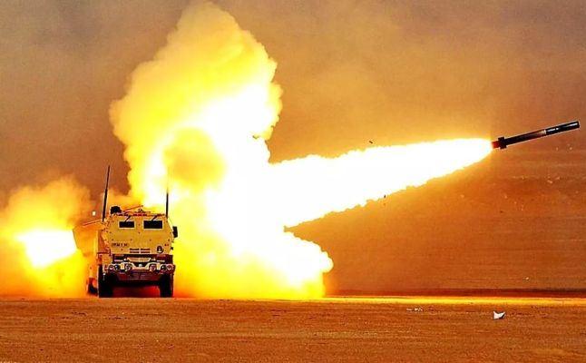 США перебросили в Румынию артиллерийские ракетные комплексы HIMARS