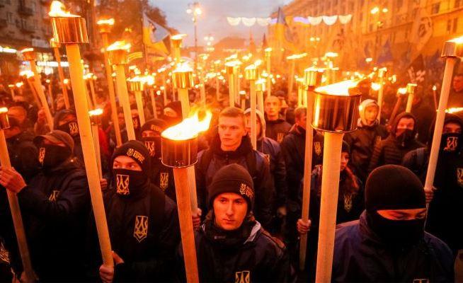 «Страна»: французские сенаторы шокированы легализацией нацизма на Украине