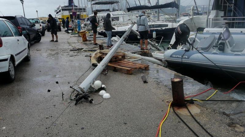 «Ночь кошмаров»: необычное погодное явление в Греции, страна пострадала от масштабного стихийного бедствия