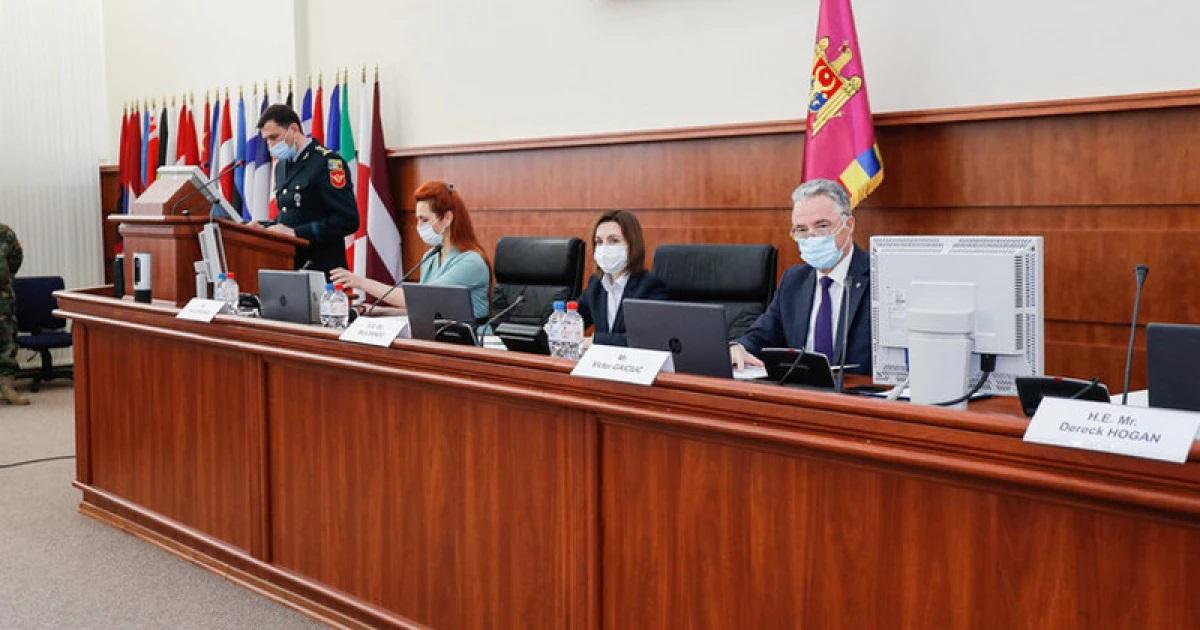 Санду призвала модернизировать Национальную армию с помощью НАТО
